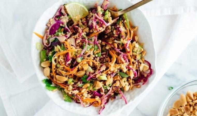 frutos secos ensalada tailandesa con mani quinua