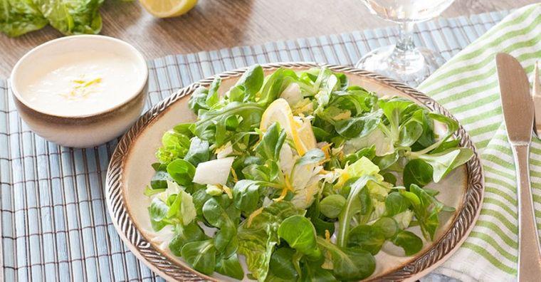 frutos secos ensalada verde aderezo nueces limón