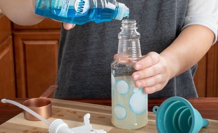hormigas en casa eliminar con jabon de mano