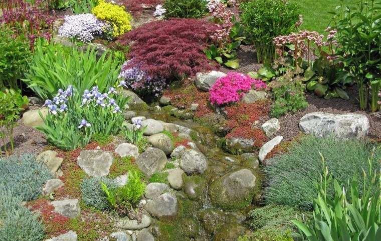 jardín de rocalla son parte del paisaje