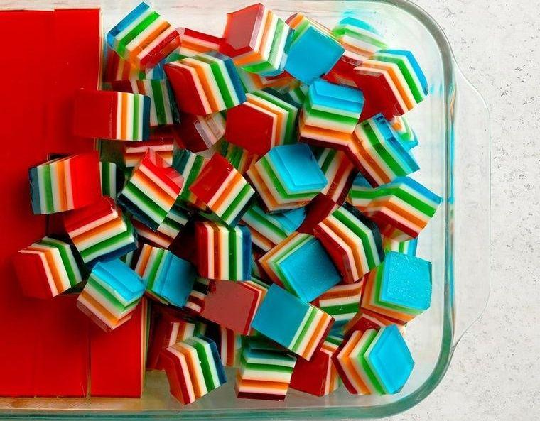 postres de verano gelatina de colores