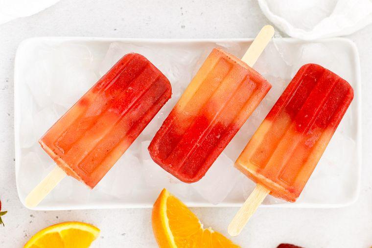 postres de verano paletas fresa citricos