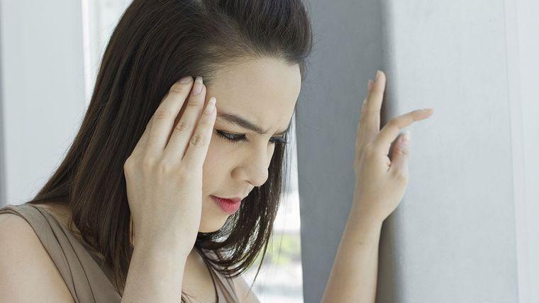 sobrehidratación dolor de cabeza