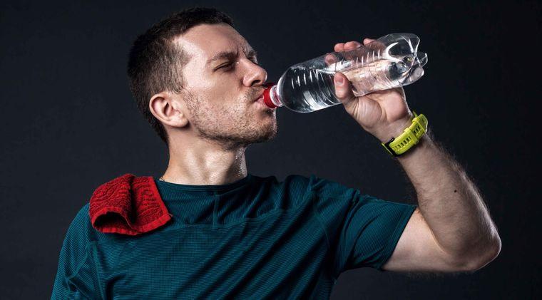 sobrehidratación personas en riesgo