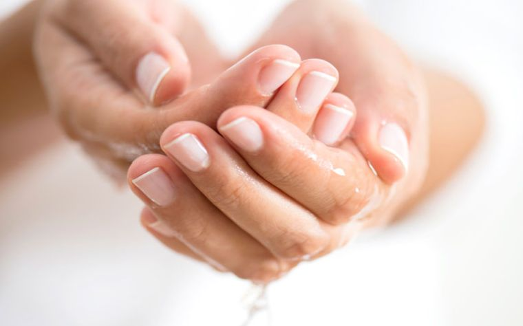 sudor en las manos hiperhidrosis primaria