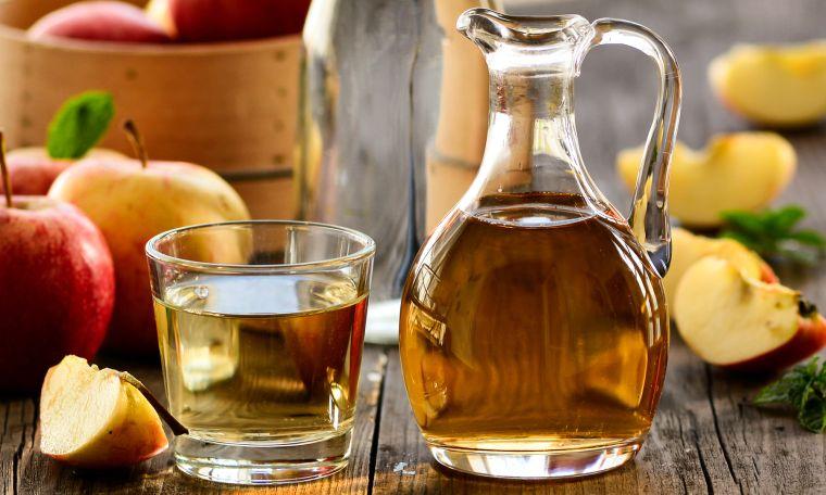 sudor en las manos usar vinagre de manzana