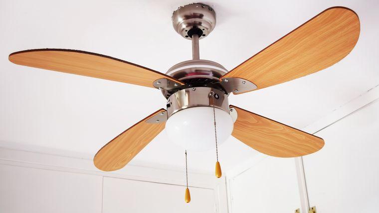 verano ventilador de techo