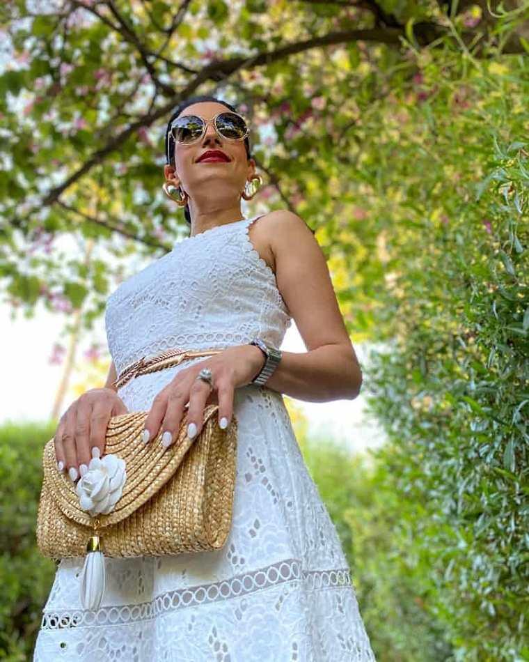 vestido-blanco-bolso-ideas