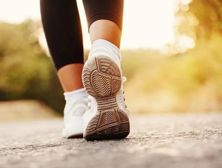 Adelgazar andando – ¿Cómo andar puede ayudarle a perder los kilos de más?