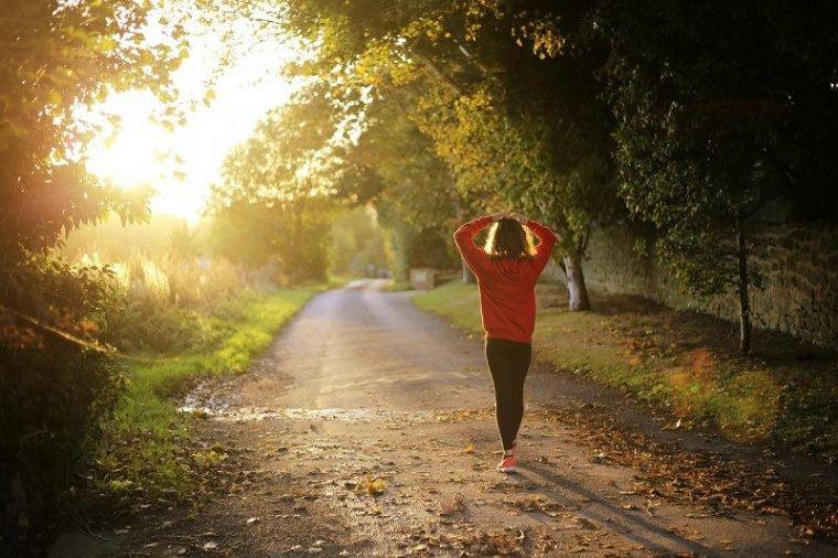 adelgazar-andando-comiendo-bien-vida