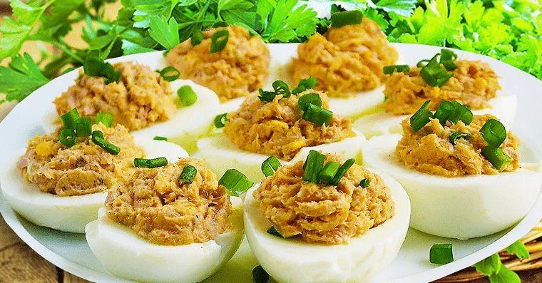 aperitivos fríos huevos rellenos