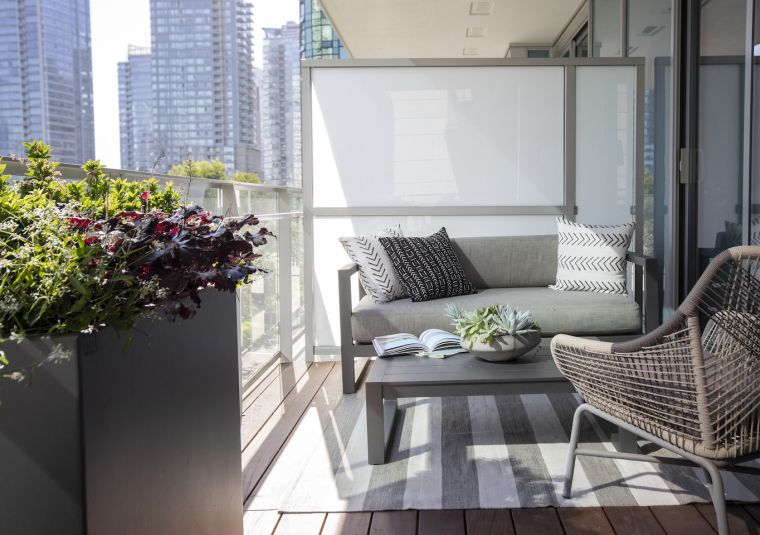 balcon-ocultar-ideas-muebles-color-gris