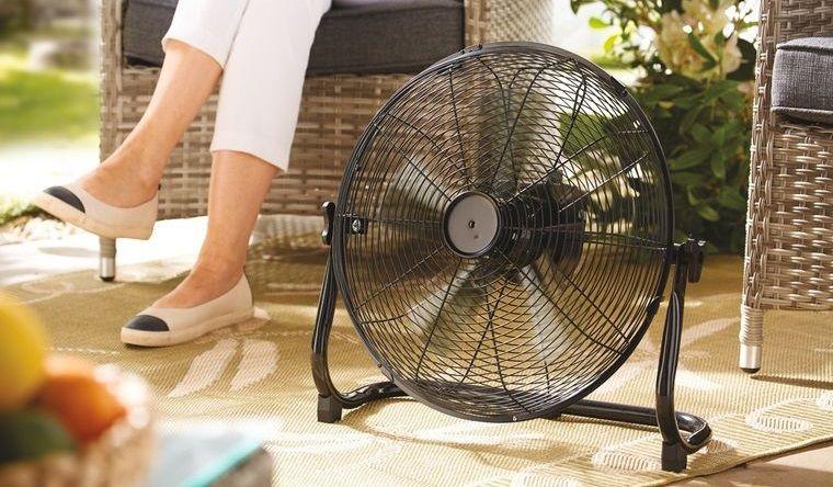 cómo ahuyentar mosquitos ventilador en piso