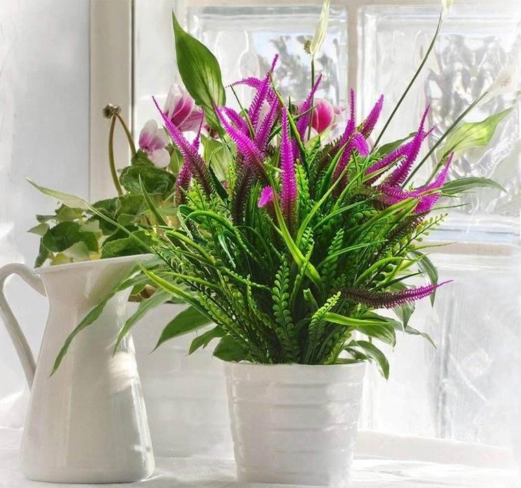 flores artificiales agregan color al espacio