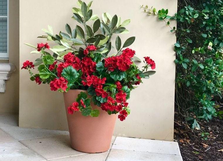 flores artificiales resistentes para decorar