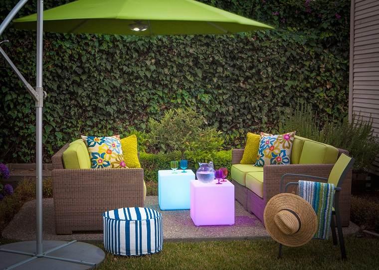 Ideas para ocultar balcón muebles-plantas