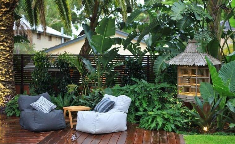 jardín tropical ambiente relajante