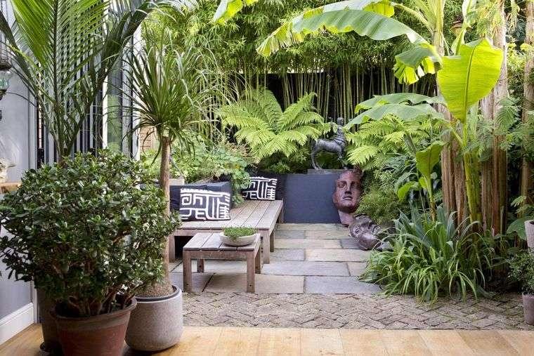 jardín tropical crea privacidad