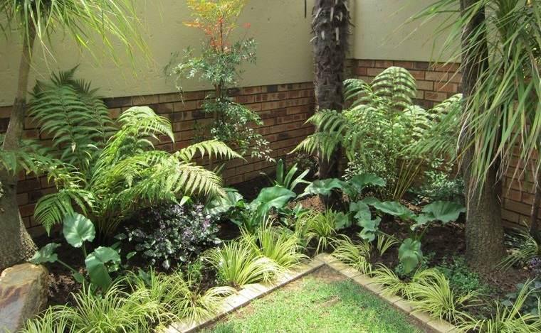 jardín tropical exterior