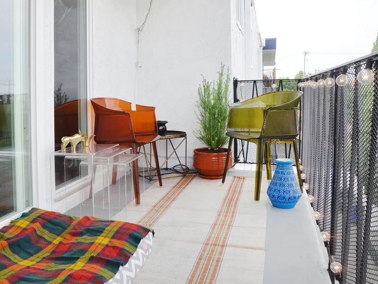 muebles-de-balcon-alfombra-ideas