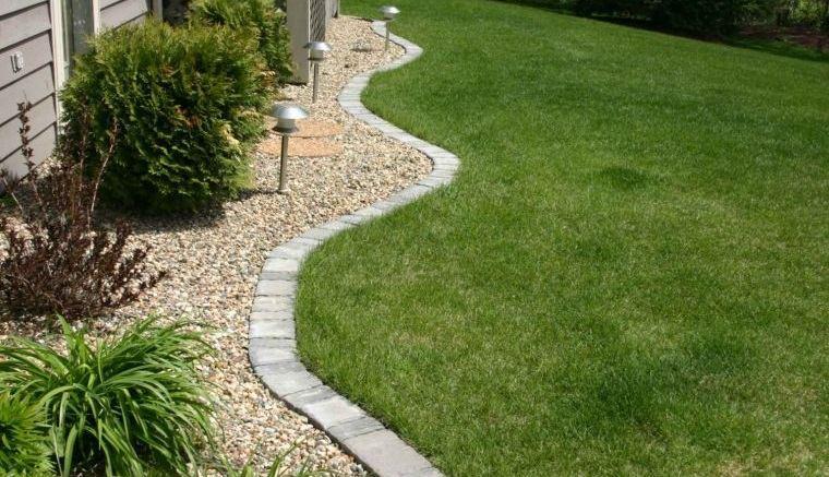 piedras decorativas para delimitar un jardin