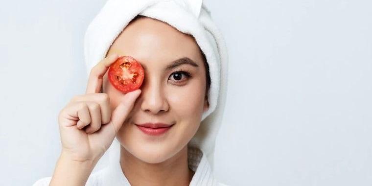 piel grasa tomates para exfoliar