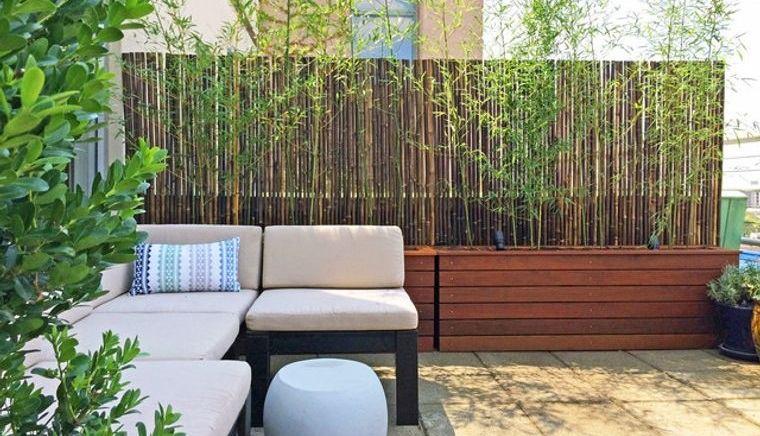 cómo cerrar una terraza sin obra con baras de bambu