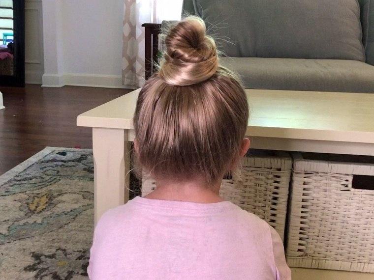 peinados-faciles-y-bonitos-para-ninas-cabello-largo-mono