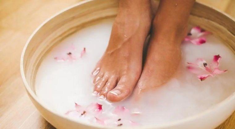 pies sanos evitar caminar descalzo