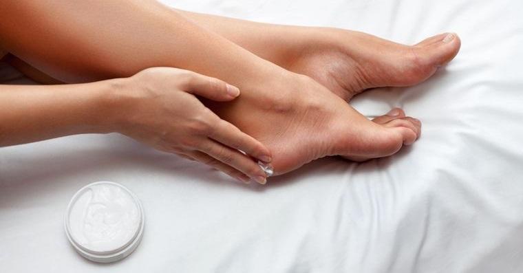 pies sanos talones suaves