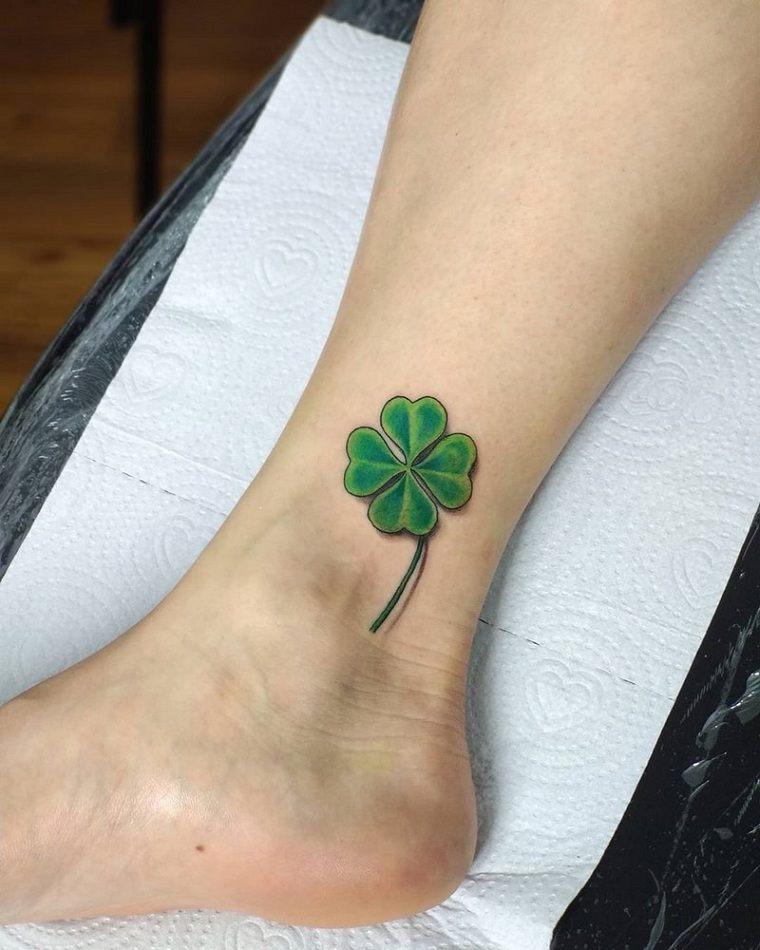 Tatuajes pequeños para mujeres 2021 – 35 ideas y dieseños populares