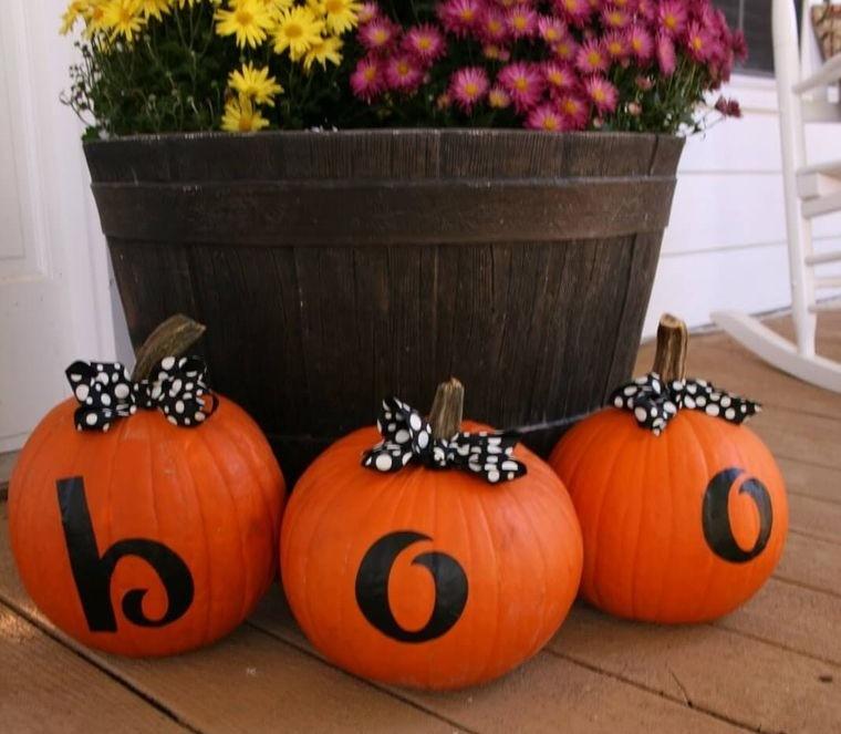 decoración de halloween calabazas con letras
