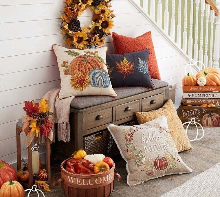 decoración otoño en pequeño rincon interior