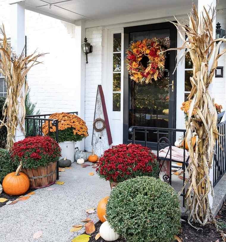 decoración otoño entrada principal