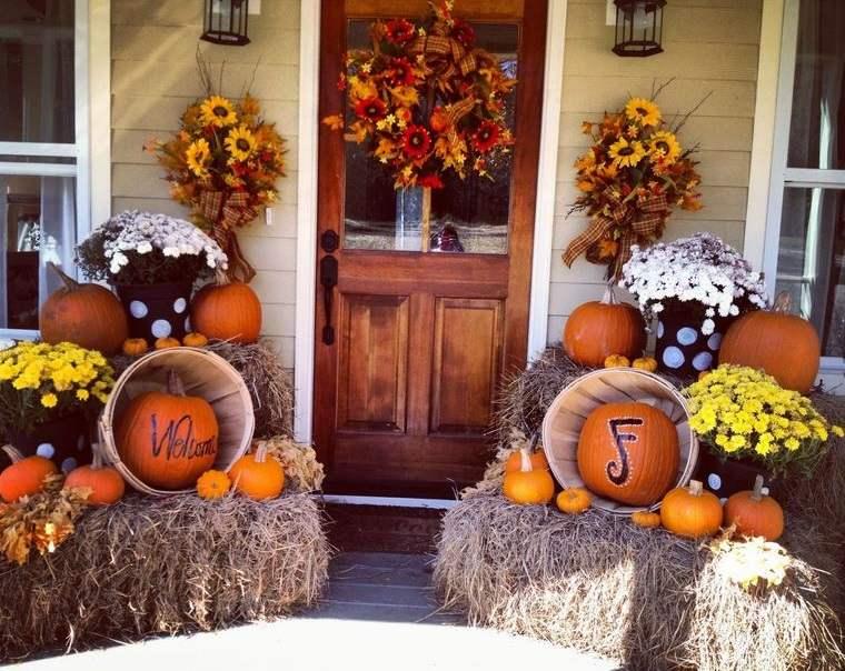 decoración otoño original entrada principal