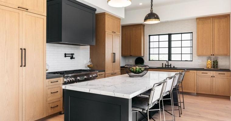 diseños de cocinas con gabinetes de madera
