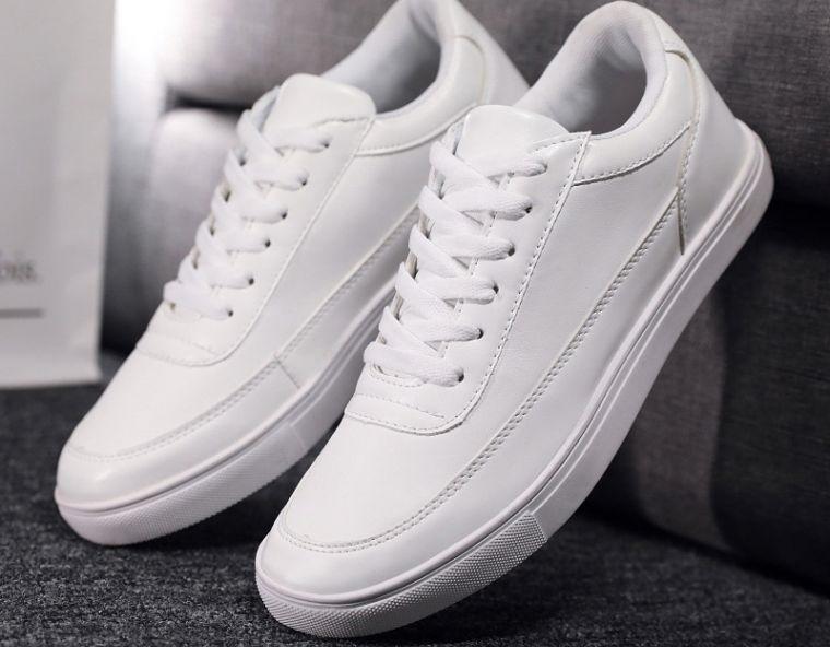 zapatos blancos como nuevos