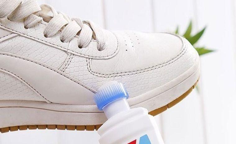 zapatos blancos limpiar con borrador magico