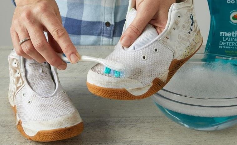 zapatos blancos limpieza profunda
